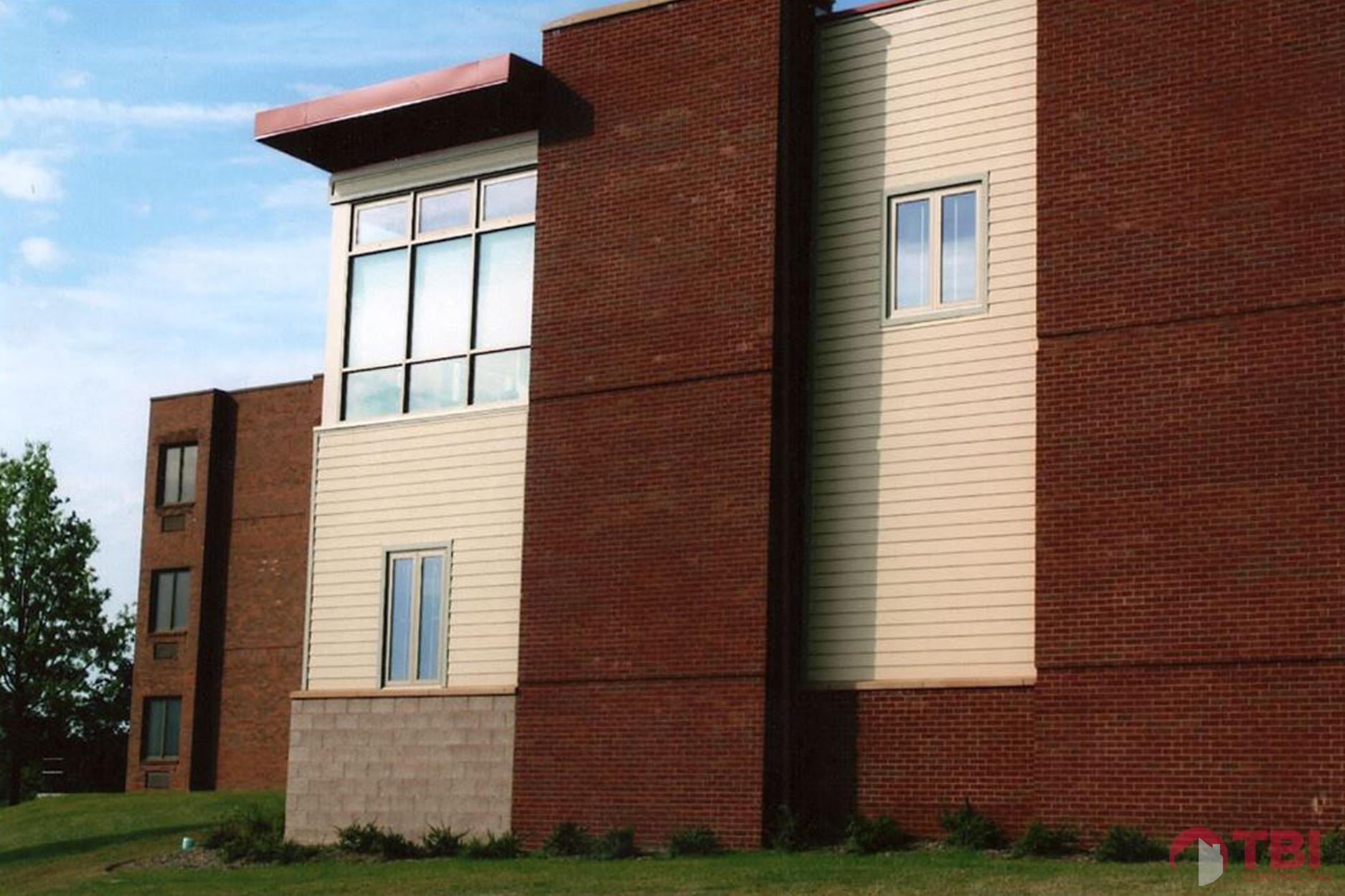 https://tbicontracting.com/wp-content/uploads/2015/05/washington-county-health-center-1.jpg