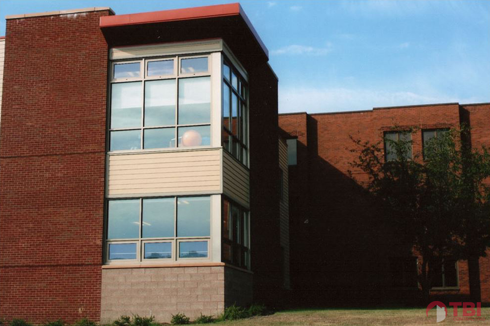 https://tbicontracting.com/wp-content/uploads/2015/05/washington-county-health-center-2.jpg