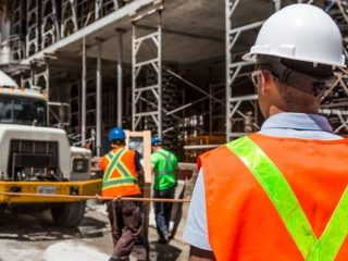 Differences between Custom Builder and General Contractor